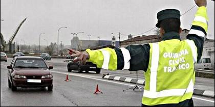 Tráfico, multa, coche y Guardia Civil.