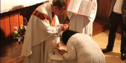 Crece el número de adultos bautizados en España