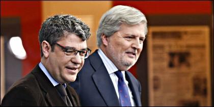 El ministro de Educación y portavoz del Gobierno, Íñigo Méndez de Vigo, y el ministro de Energía, Turismo y Agenda Digital, Álvaro Nadal.
