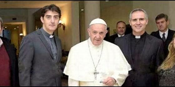 El Papa Francisco, con representantes de Comillas