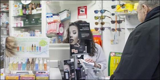 Pensionista en la Farmacia