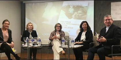 Natalia Perio, Mirian Cortés, Teresa Compte y Clara Pardo, moderadas por Fernando Prado