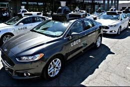 Coches sin conductor de Uber en Pittsburgh, Pennsylvania.