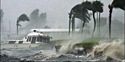 Huracán tropical.