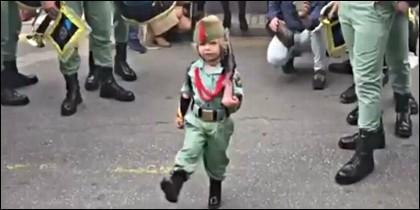 Yoel Extremera, el niño legionario de la Semana Santa de Málaga.
