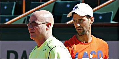 Andre Agassi con Novak Djokovic.