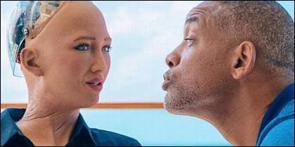Will Smith y la robot Sophia