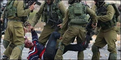 Palestinos vs fuerzas israelíes
