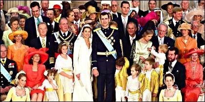 La Familia Real el día de la boda entre Felipe y Letizia.