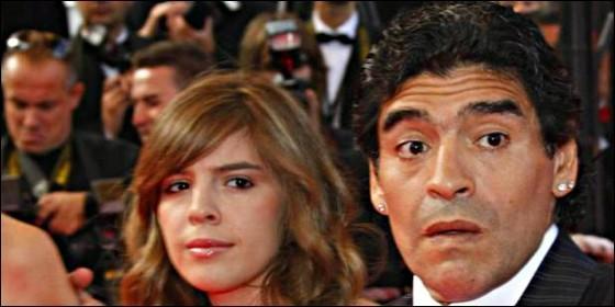 Diego Armando Maradona y su hija.