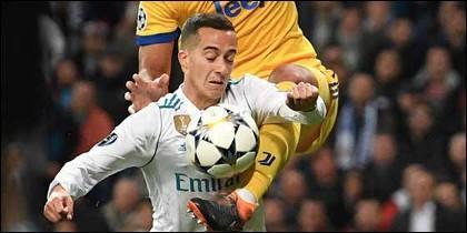 El polémico penalty a Lucas Vázquez.