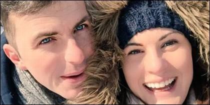 Michael Oliver y su mujer.