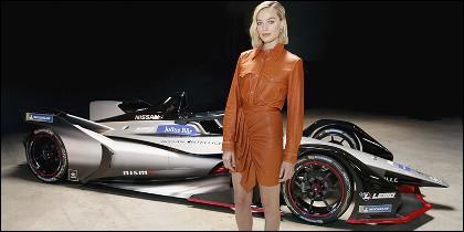 Margot Robbie presenta el Nissan Gen2 de Fórmula E
