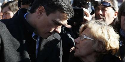 Pedro Sánchez con Manuela Carmena.