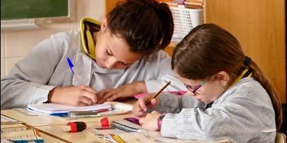Se integrarán los cinco centros educativos que tiene en España