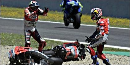 Lorenzo y Dovizioso, se caen en Jerez.