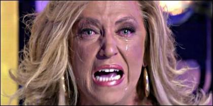 Lydia Lozano llorando en 'Sálvame' de Telecinco.