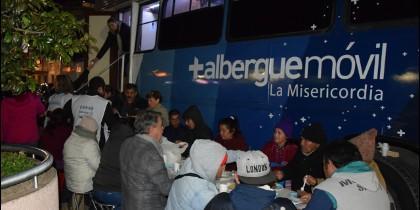Cena solidaria en el Albergue Móvil de la archidiócesis de Concepción, Chile