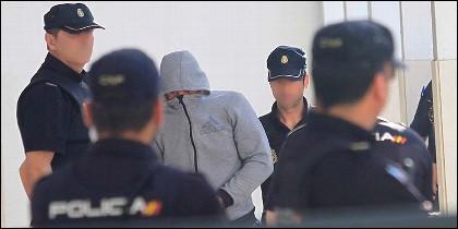 Uno de los detenidos por participar en la agresión a nueve integrantes de Grupo de Acción Rápida (GAR) de la Guardia Civil en Algeciras.
