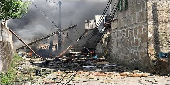El almacén de pirotecnia de Tui destrozado por la explosión.