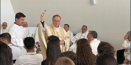 Monseñor Escudero inaugura la capilla de los escolapios
