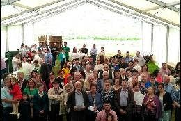 Vecinos de Tineo quieren que vuelva su párroco