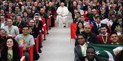 Francisco, con jóvenes del Presínodo