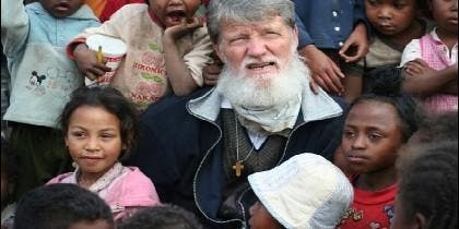 Padre Pedro Opeka, fundador de la Comunidad de Akamasoa
