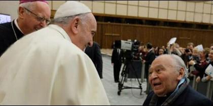 El Papa rehabilita al padre de la Teología de la Liberación en su 90 cumpleaños