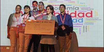 Entrega del premio del jurado al proyecto 'Trivial' de la OHSJD