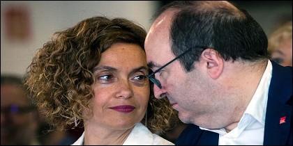 La ministra de Política Territorial y Función Pública y secretaria de Impulso Federal del PSC, Meritxell Batet, y el primer secretario del PSC, Miquel Iceta.