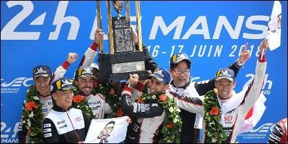Las imágenes del histórico triunfo de Fernando Alonso, junto a Nakajima y Sebastien Buemi, en Las 24 Horas de Le Mans.