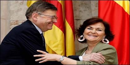 La vicepresidenta del Gobierno, Carmen Calvo, y el president de la Generalitat Valenciana, Ximo Puig, 'coordinando' la llegada al puerto de València de los inmigrantes del buque Aquarius.