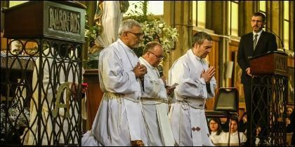 Concha, Scicluna y Bertomeu piden perdón por los abusos en Osorno