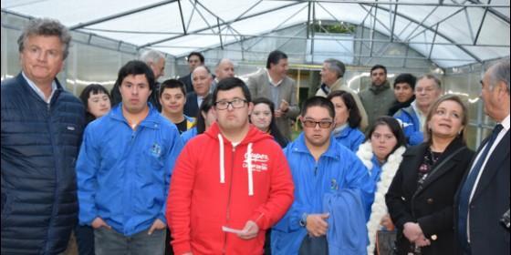 Algunos de los beneficiados por la nueva obra social de la Iglesia de Concepción