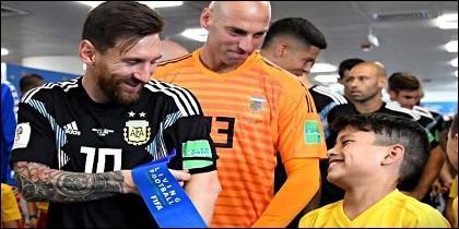 Messi y Caballero con la selección de Argentina, en el túnel de vestuarios (Mundial de Rusia 2018).
