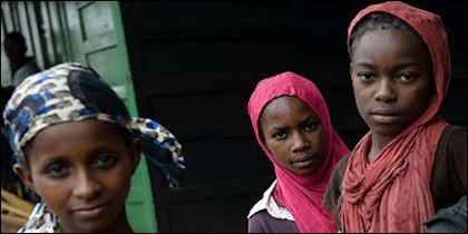 Niñas refugiadas en Africa.