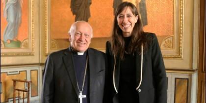 El cardenal Ricardo Ezzati y la abogada Francisca San Martín