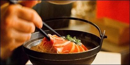 La comida en un restaurante chino.