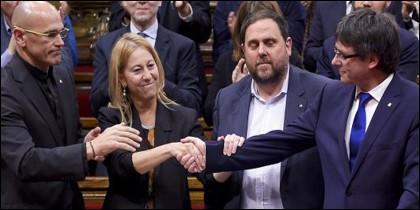 Los independentistas catalanes Romeva, Junqueras y Puigdemont.