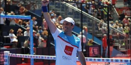 Mati Díaz celebrando el título