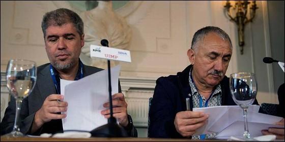 El secretario general de CC OO, Unai Sordo, a la izquierda, y el de UGT, Pepe Álvarez.