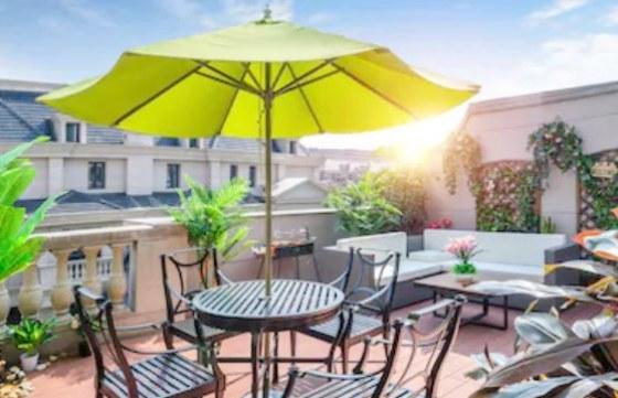 Ofertas en sombrillas para jard n y terraza 2018 ocio y for Alcampo sombrillas terraza