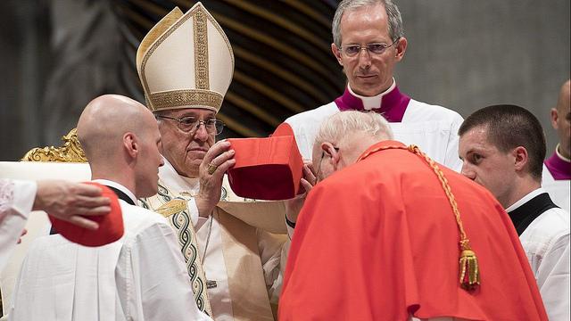 El Papa ordenó cardenales a tres obispos latinoamericanos