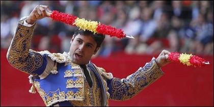 El torero Fran Rivera, con las banderillas.