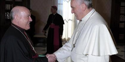 El arzobispo de Zaragoza, monseñor Jiménez, con el Papa