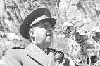Francisco Franco inaugurando un pantano.