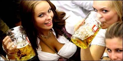Cerveza, chicas y juerga.