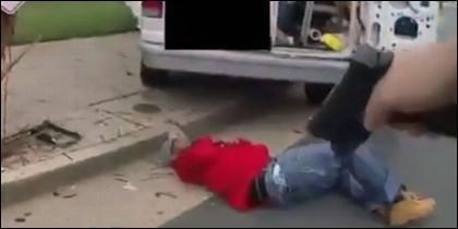 Policía mata a un hombre