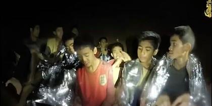 Los niños forman parte de un equipo de fútbol y entraron en la cueva tras un entrenamiento